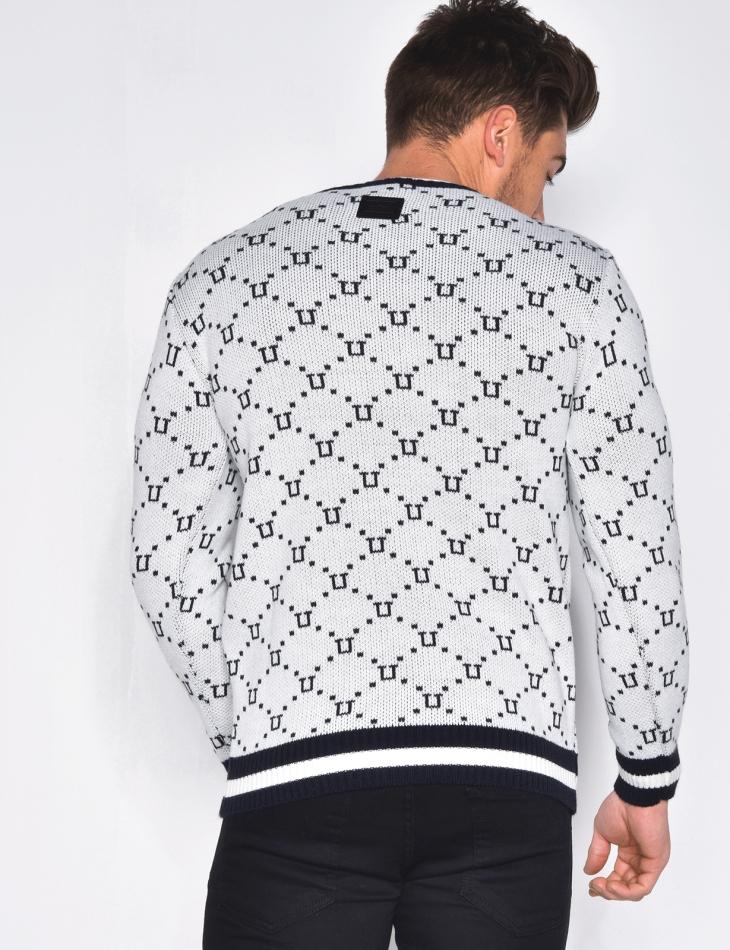 Pull col rond à motifs géométriques