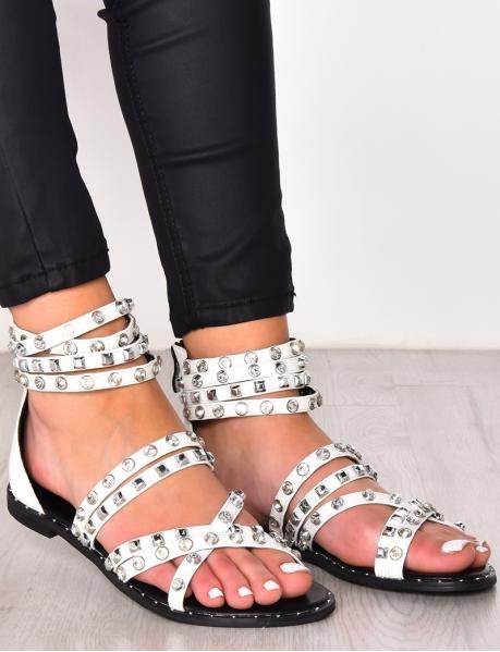 Sandales à clous