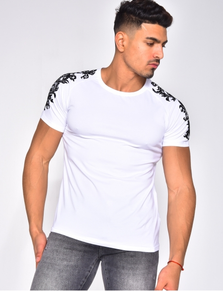 T-shirt à broderie en velour