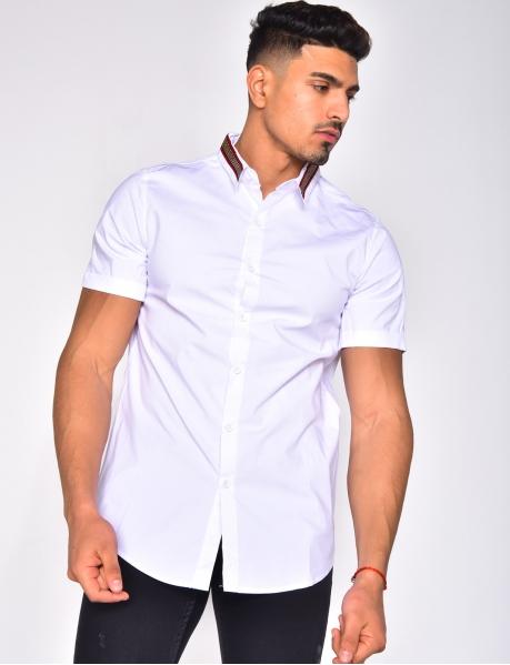 Chemise à col symétrique