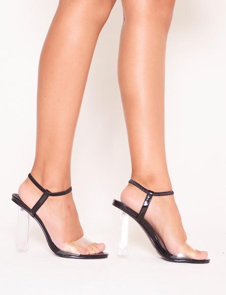 Sandales à talons transparents