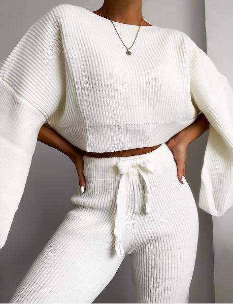 Ensemble pull et pantalon en laine