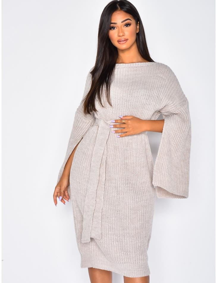 Robe en laine à ceinture