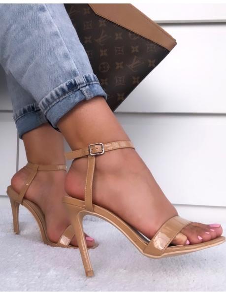 Sandalen mit  Absatz und quadratischer Spitze