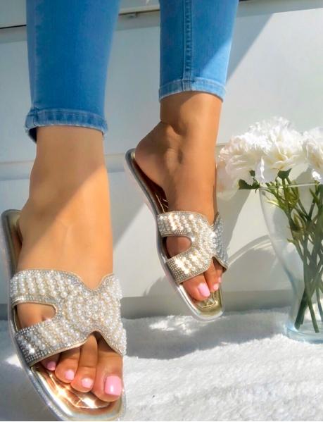 Claquettes à perles et paillettes