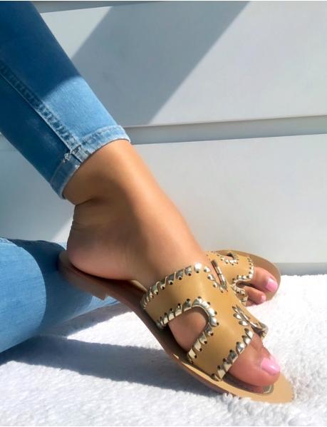 Sandales plates