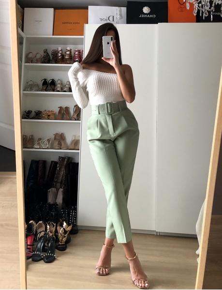 Pantalon tailleur à ceinture
