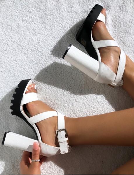 Sandales à talons épais