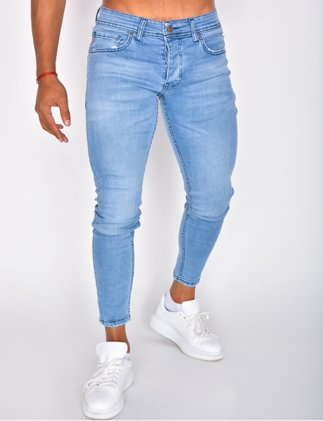 Hellblaue Basic-Jeans