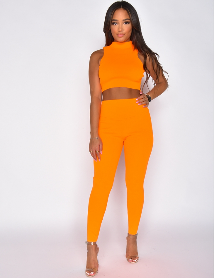 Ensemble crop top et legging moulant