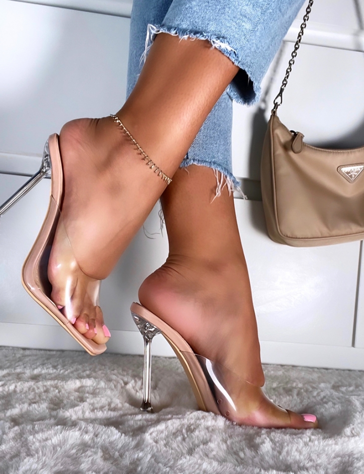 Sandales à talons évasés