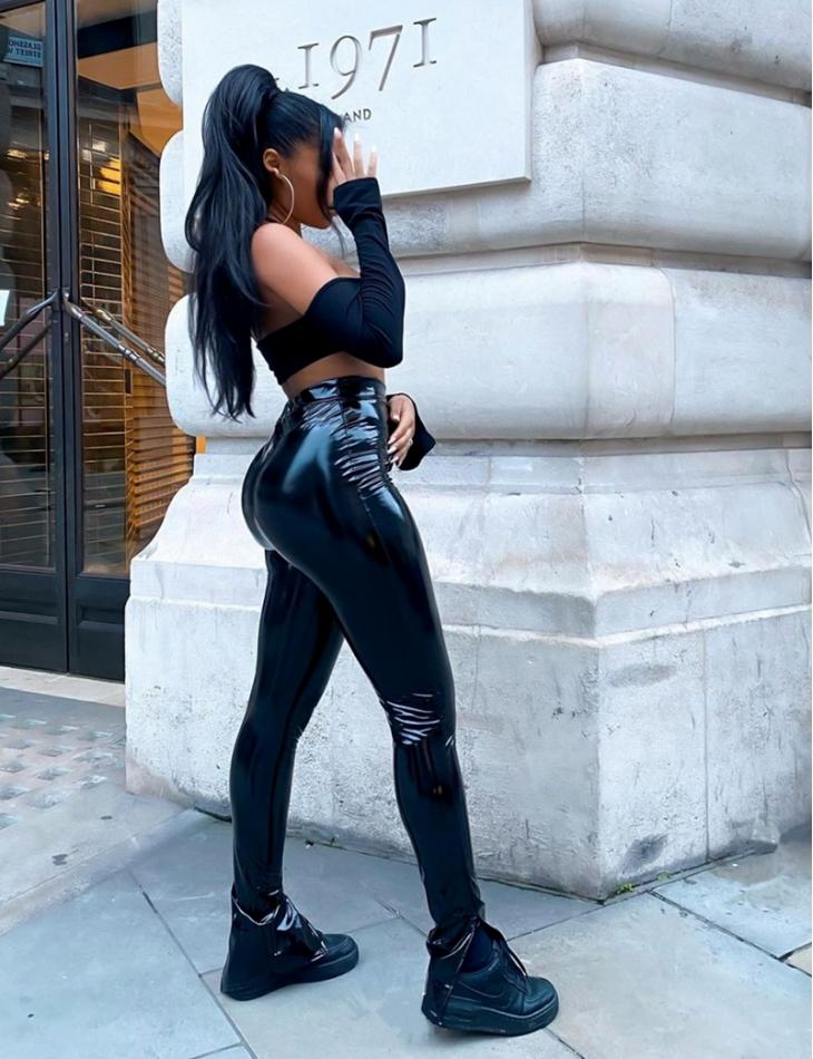 Pantalon en vinyle à fentes