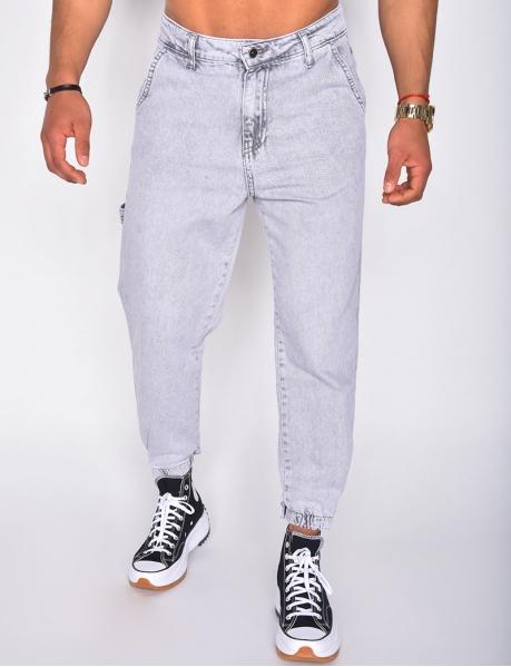 - Cargo jeans