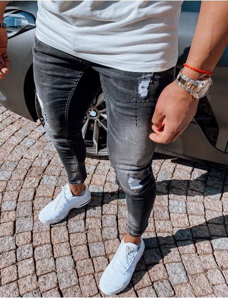 Jeans destroy mit Malerflecken