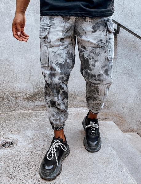 Cargo-Jeans mit Taschen