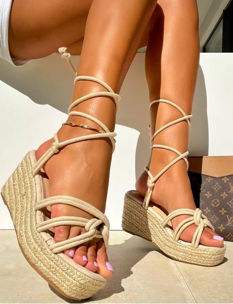 Sandales compensées à nouer