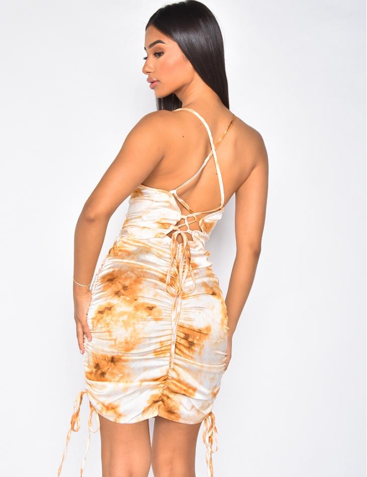 Robe en satin imprimée à froncer lacée dans le dos
