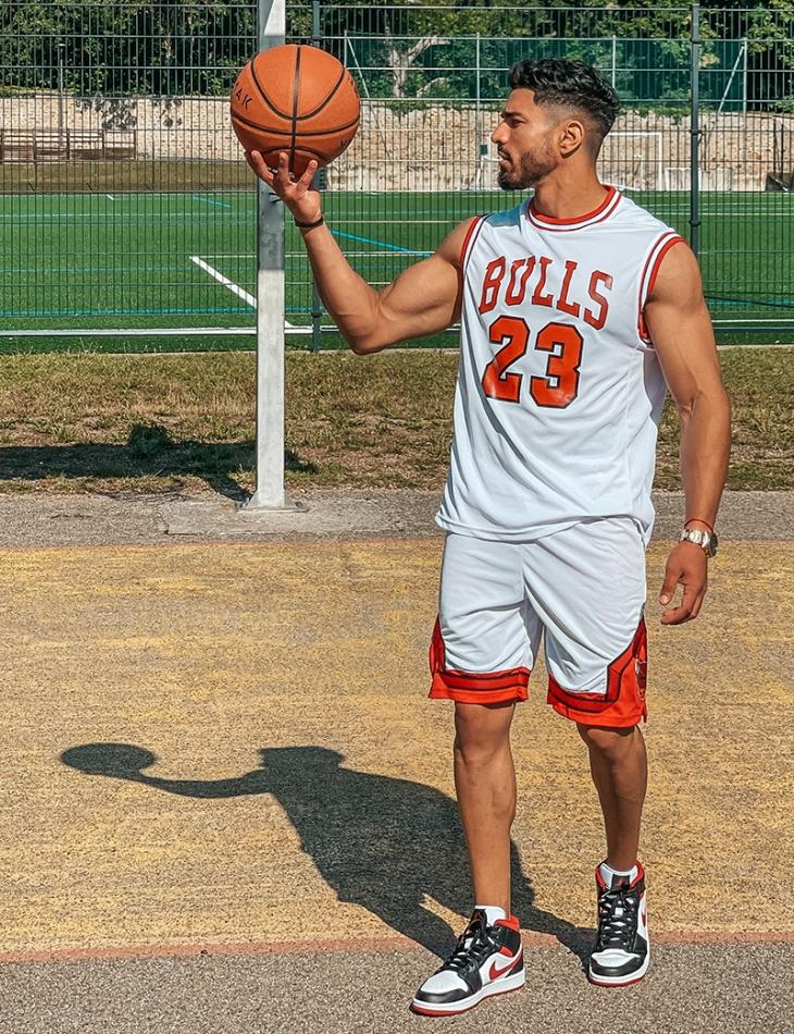"Ensemble short et t-shirt de basket ""Red bull"""