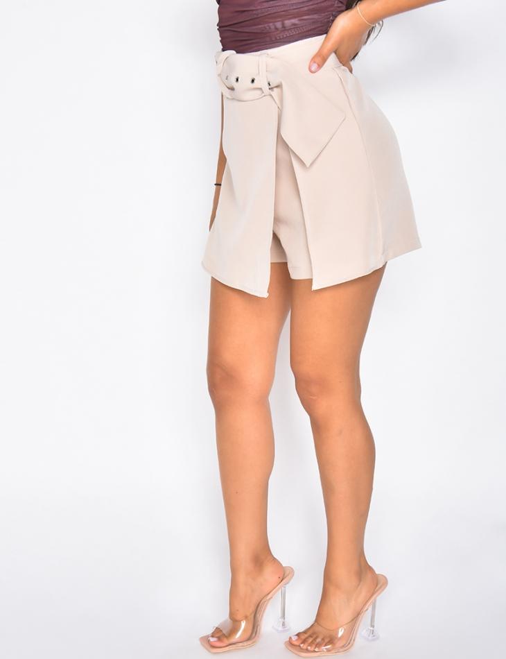 Jupe short à fente avec ceinture