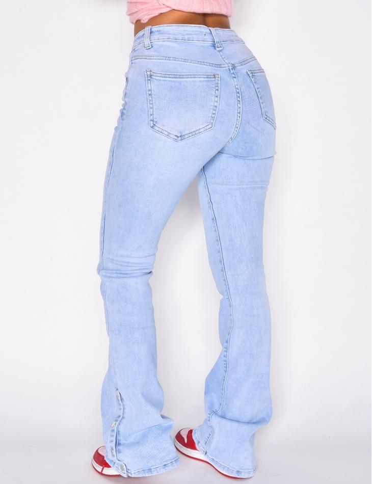 Jeans patte d'eph à boutons pression aux chevilles