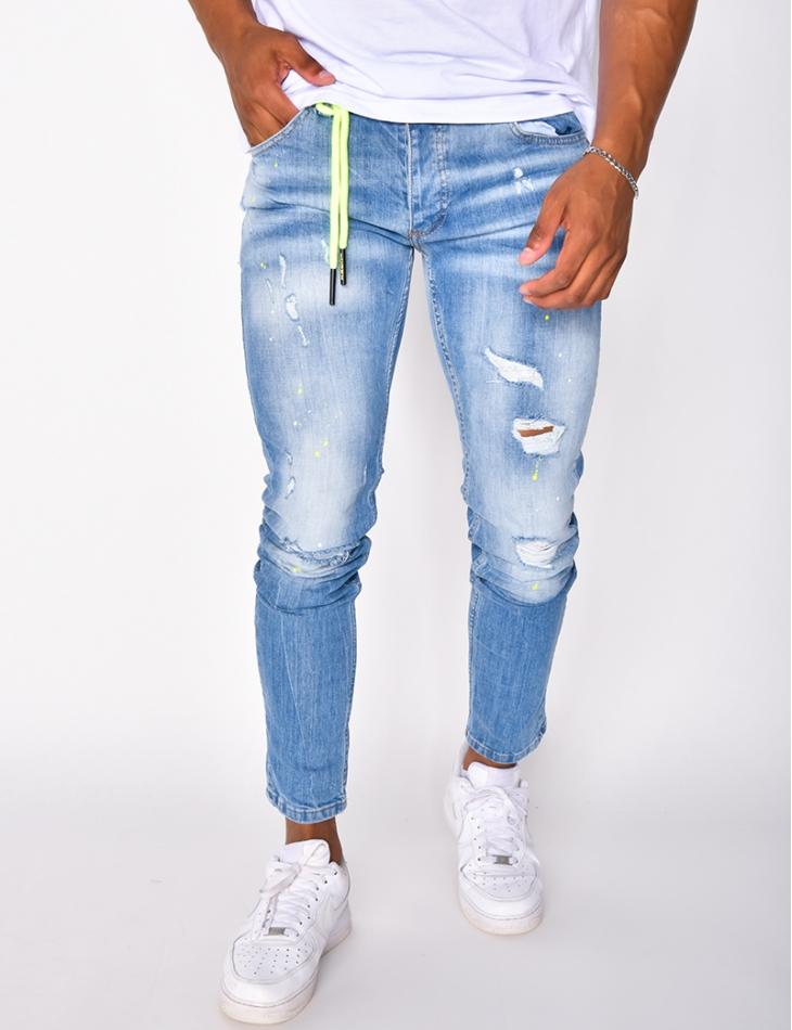 Jeans à tâches et numéro 2