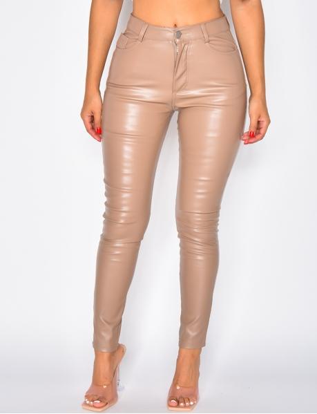 Pantalon en simili taille haute