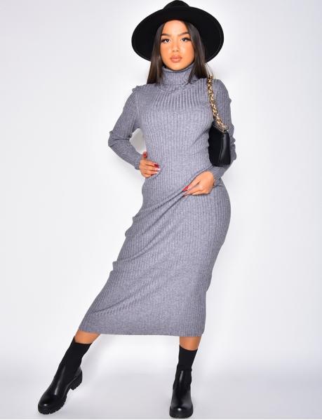 Robe longue côtelée à col roulé